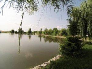 Lacul Horvi