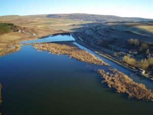 Lac Sub Padure